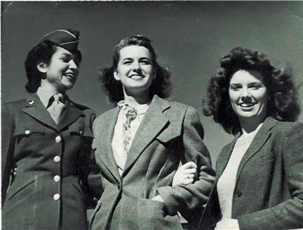 Billie Faye Waller Conard, center, and friends in San Angelo 1944
